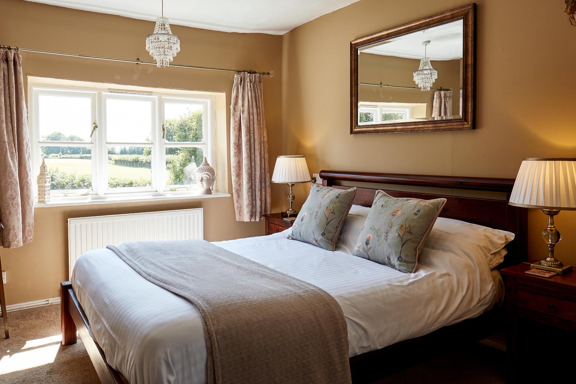 Comfort double en-suite with shower